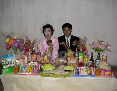 地方の庶民の結婚記念写真